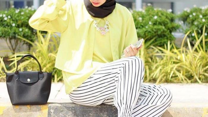 [FORUM] Kamu termasuk suka pakai baju warna terang atau gelap?
