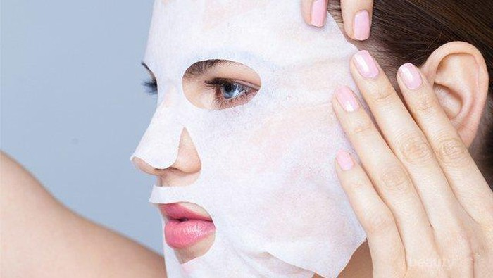 Apa Kamu Masih Melakukan 4 Kesalahan dalam Penggunaan Sheet Mask Ini?