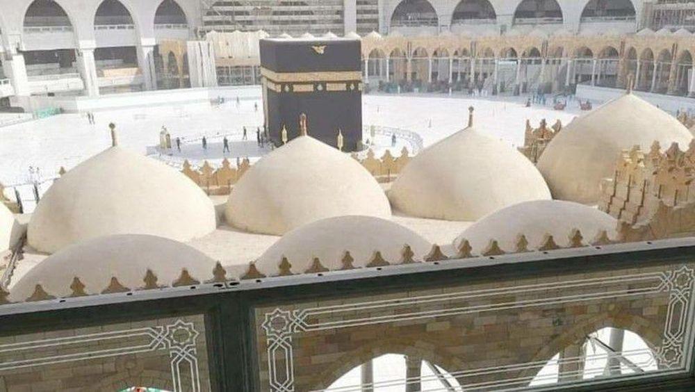 Seperti biasa para jemaah masih bisa melakukan tawaf di lantai 1 dan 2 Mataf. (Dok: Haramain Info)