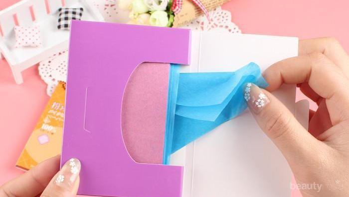 Selain Clean & Clear, Ternyata Ini Kertas Minyak yang Ampuh Mengangkat Minyak Berlebih di Wajahmu