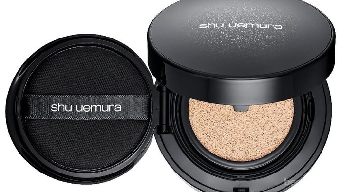 Shu Uemura The Lightbulb Cushion Foundation untuk Hasil Makeup Natural dan Glowing