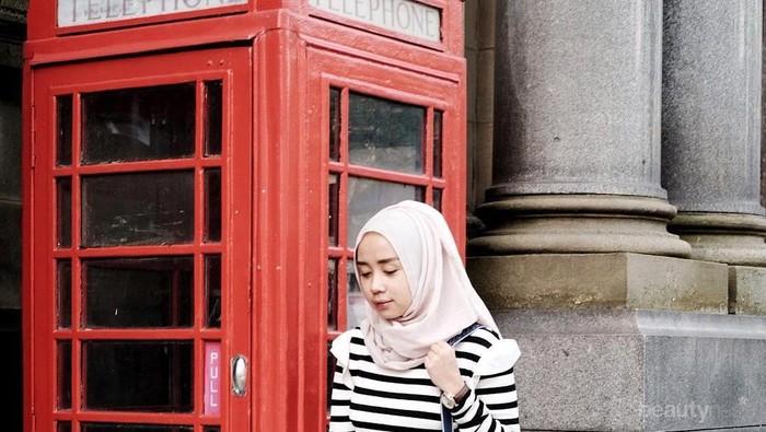 Simpel dan Modis, Ini Inspirasi Fashion Hijab Kasual Thatal Jundiah yang Bisa Kamu Tiru!