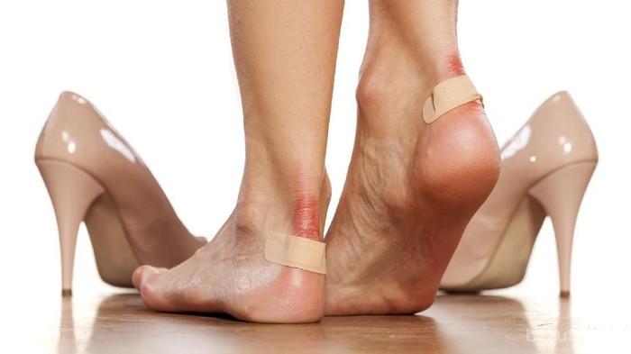 [FORUM] Kenapa sepatu baru selalu bikin kaki belakang lecet ya?