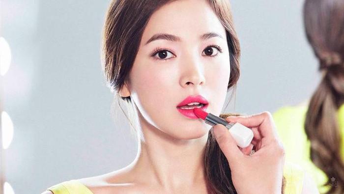 Sungguh Tak Berlebihan, Beginilah Gaya Make Up Pernikahan Song Hye Kyo