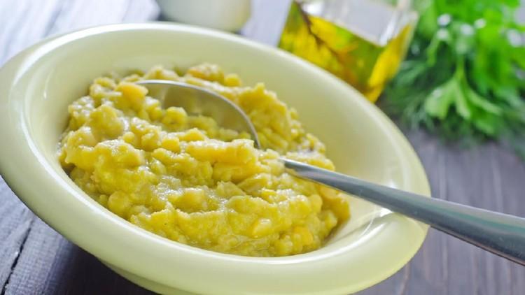 Siapkan menu si kecil dengan resep MPASI puree kacang hijau berikut ini yuk Bunda! Hanya membutuhkan dua bahan dan bikinnya gampang lho.