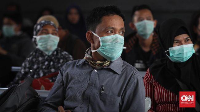 Penumpang angkutan umum antarkota Jakarta yang menggunakan kereta api, kapal laut, dan pesawat wajib menjalani rapid tes dan PCR sebagai syarat perjalanan.