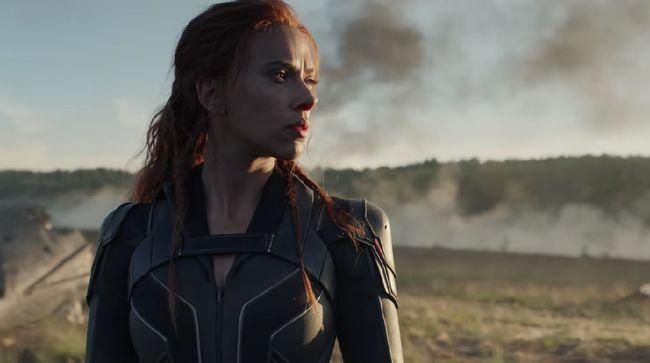 Scarlett Johansson menggugat Walt Disney Company karena film Black Widow ditayangkan di Disney+ bersamaan dengan peluncuran layar lebar.