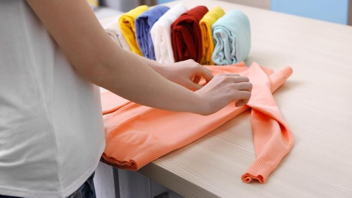 Unik! Teknik Melipat Baju Super Praktis dan Cepat yang Perlu Banget Dicoba