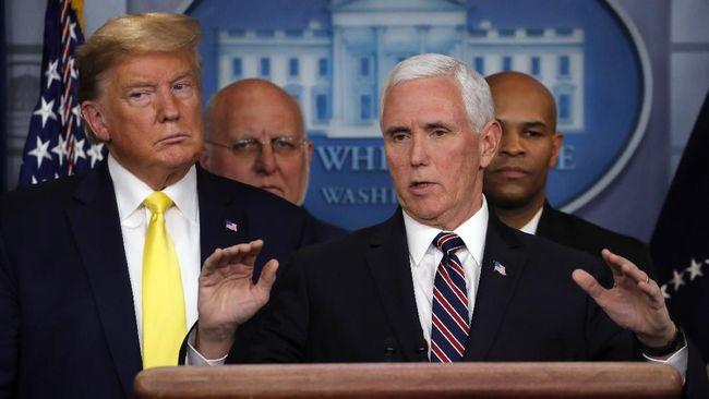 Presiden Donald Trump dan Wapres Mike Pence melakukan pertemuan di Ruang Oval, Gedung Putih untuk pertama kalinya usai kerusuhan Capitol Hall.