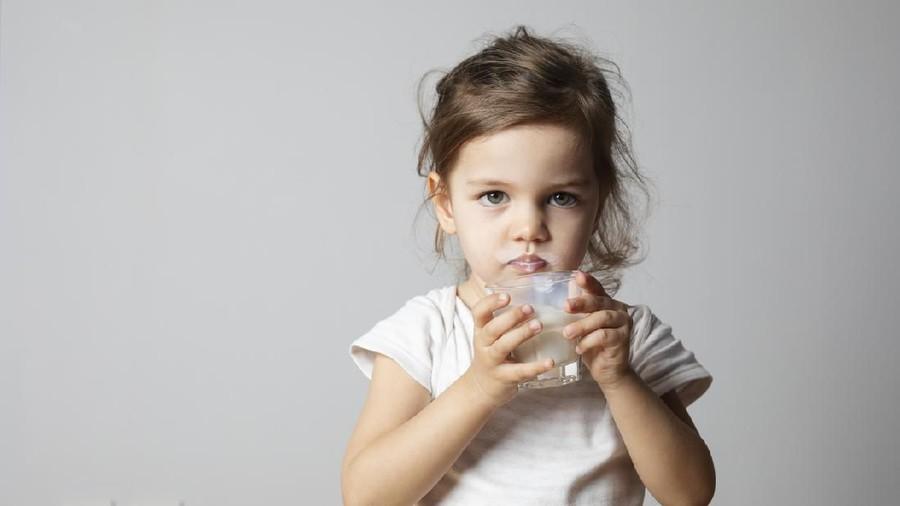 Susu Full Cream Tak Membuat Anak Obesitas? Begini Faktanya