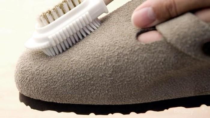 [FORUM] Bagaimana membersihkan sepatu yang bahannya beludru ya?