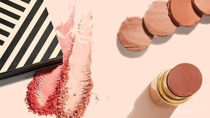 Powder Blush On VS Cream Blush On, yang Mana Lebih Cocok di Kulit Kamu, Ya?