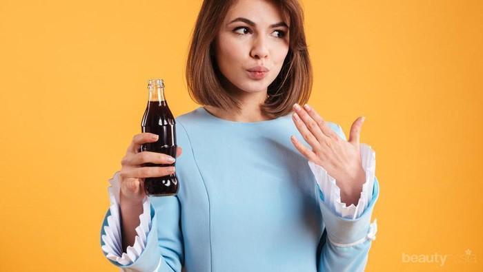 Minum Soda Saat Haid Bisa Menyebabkan Kanker dan Pembekuan Darah: Mitos atau Fakta?