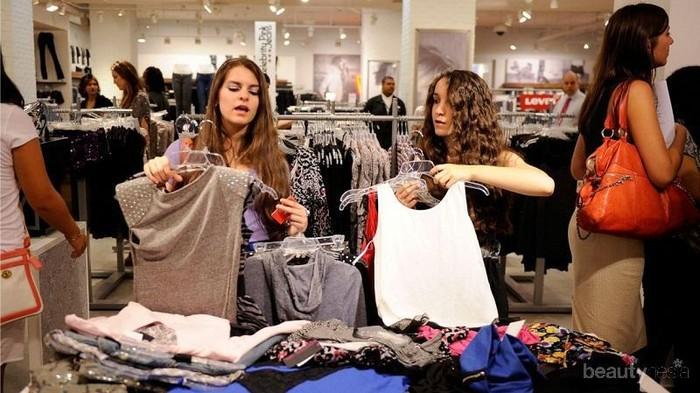 [FORUM] Kalian sering menghabiskan berapa untuk beli baju dalam sebulan?