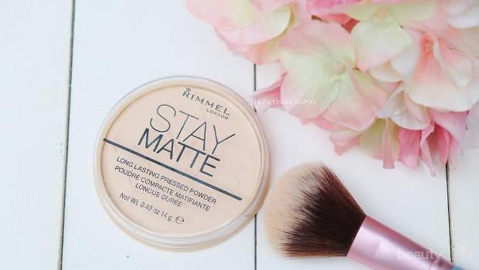Sebelum Membelinya, Kamu Perlu Mengetahui Fakta Pro dan Cons Tentang Rimmel Stay Matte Pressed Powder, Ladies!