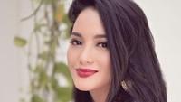 <p>Wajah cantik Ririn pernah menghiasi layar lebar melalui film Roman Picisan, Kisah 3 Titik, dan Di Balik 98. (Foto: Instagram @ririnekawati)</p>