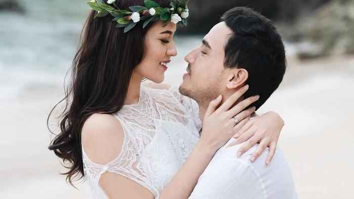 Happy Couple, Ini Dia Tips Cermat Merencanakan Honeymoon Romantis yang Hemat!