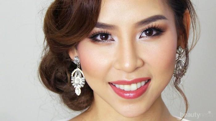 Tak Perlu Pakai MUA Tapi Tetap Flawless, Ini Tutorial Make Up dari Tina Yong untuk Hari Tunangan