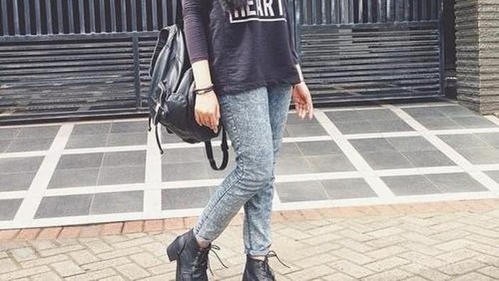 Ingin Tampil Hits Saat Ke Kampus? Padu Padan dengan Boots Hijab Ini Harus Kamu Coba