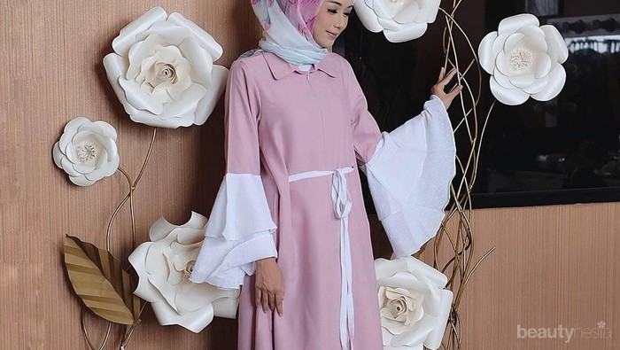 Tak Pakai Ribet, Ini Inspirasi Gaun Pesta Muslimah dengan Model Sederhana Namun Elegan