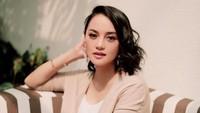 <p>Memasuki usia 36 tahun, Ririn Ekawati semakin terlihat cantik dan tetap awet muda, Bun. (Foto: Instagram @ririnekawati)</p>