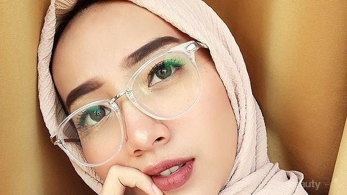 Ini Cara Mudah untuk Menentukan Kacamata Minus yang Cocok untuk Hijabers
