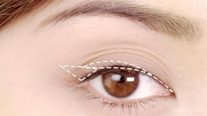 Mudah, Ternyata Ini Trik Menggunakan Eyeliner Spidol yang Belum Pernah Kamu Coba!