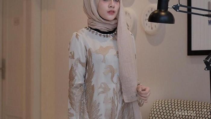 Mudah Dipadu Padankan, Inilah 5 Warna Hijab yang Harus Dimiliki Hijabers