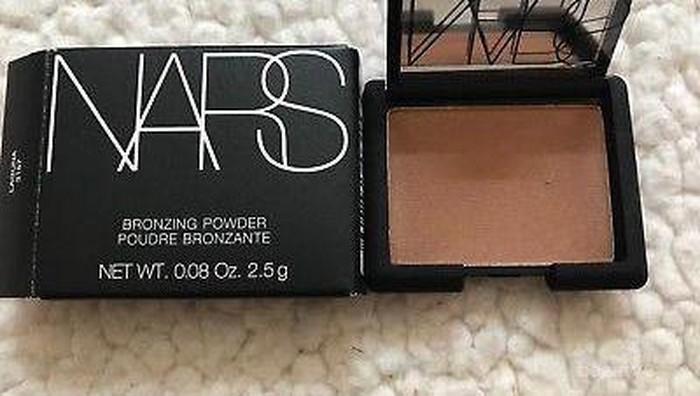 Makeup Sempurna, Pakai Bronzing Powder NARS Ini untuk Lengkapi Sun-Kissed Makeup Look-mu!