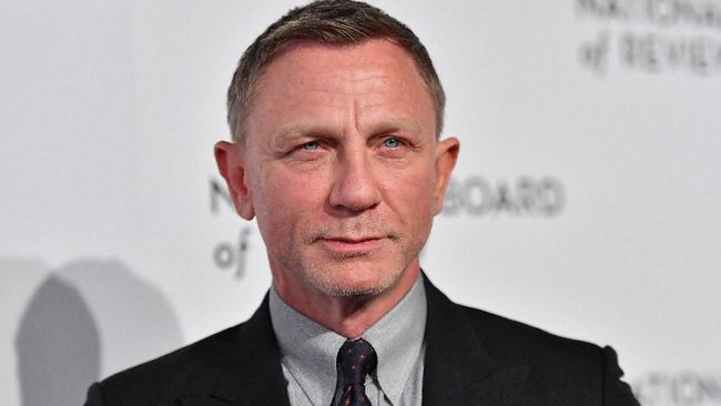 Tanggal 30 September 2021 mendatang, Daniel Craig alias James Bond kembali beraksi dalam No Time To Die. Berikut panduan diet untuk tubuh bak James Bond.