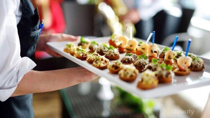 [FORUM] Apa ya camilan paling favorit yang bisa disajikan di resepsi nikahan di gedung?
