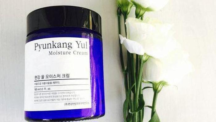Wajah Glowing dan Sehat Berkat Pyunkang Yul Moisture Cream