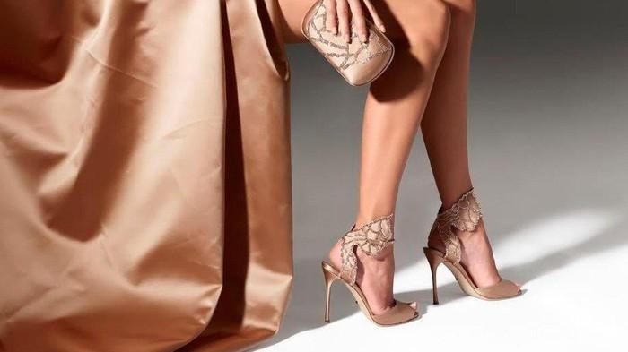 Ini Deretan 4 Brand Sepatu Wanita Favorit dengan Harga Selangit, Penasaran?