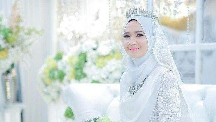 Berikut Inspirasi Gaun Pernikahan Muslimah Warna Putih untuk Lengkapi Hari Bahagia Kamu