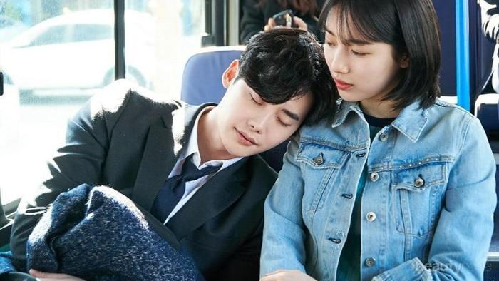 Udah ada yang nonton drama Korea While You Were Sleeping?
