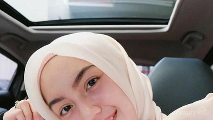 Ngehits! Intip Inspirasi 4 Gaya Hijab Cantik Selebgram Ini dengan Hijab Organza!