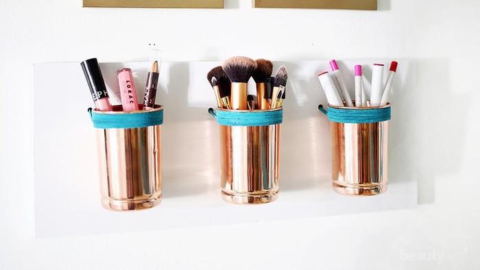 Ingin Menata Koleksi Makeup? 5 Inspirasi DIY Makeup Organizer Ini Bisa Kamu Tiru Lho!