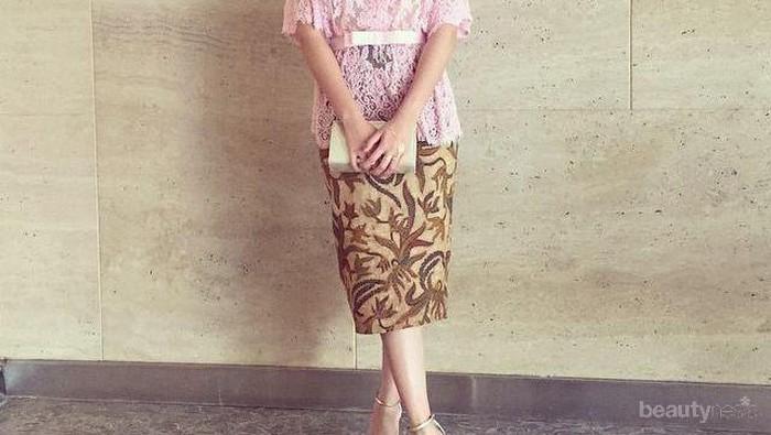 Tampil Beda, Inspirasi Baju Kondangan dengan Rok Pendek Ini Bisa Kamu Pilih!