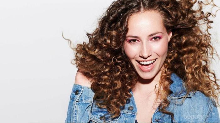 [FORUM] Bagi Tips untuk Merawat Rambut Keriting, dong!