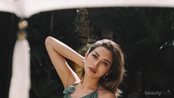 Gagal Fokus! Begini Sexynya Jessica Iskandar dalam Balutan Mini Dress!