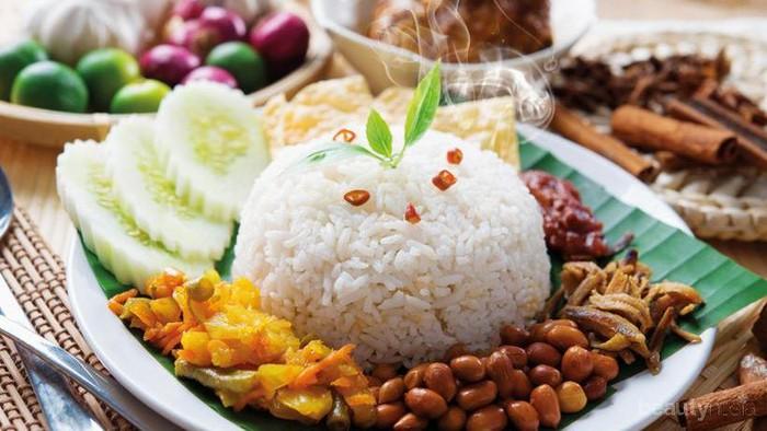 Warung Nasi Uduk di Malang Ini Beneran Bisa Bikin Ketagihan dan Ingin Balik Lagi!