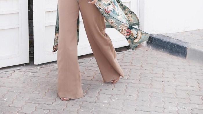 Berbagai Pilihan Model Celana Lain selain Jeans untuk Para Hijabers