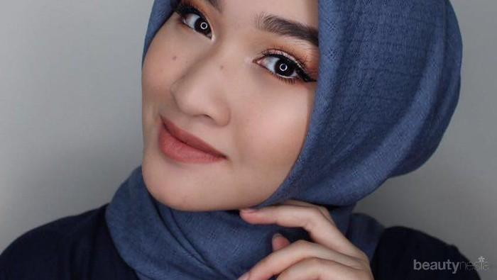 Cocok Dipakai Ke Pesta, Begini Tutorial Make Up Bold yang Cocok untuk Wanita Berhijab