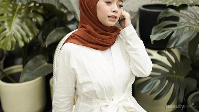 Tetap Nyaman di Siang Hari, Hijabers Bisa Gunakan Jilbab Adem Ini