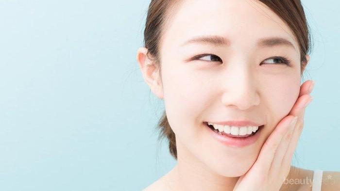 Apakah sabun wajah yang memiliki butiran scrub boleh dipakai setiap hari?