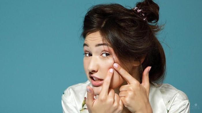 Ladies Sharing Yuk! Apa Aja Produk Makeup or Skincare yang Gak Cocok dan Bikin Kamu Jerawatan??