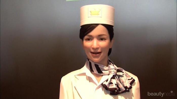 Merencanakan Menginap di Hotel? Tengok Uniknya Hotel Robot di Jepang Ini!