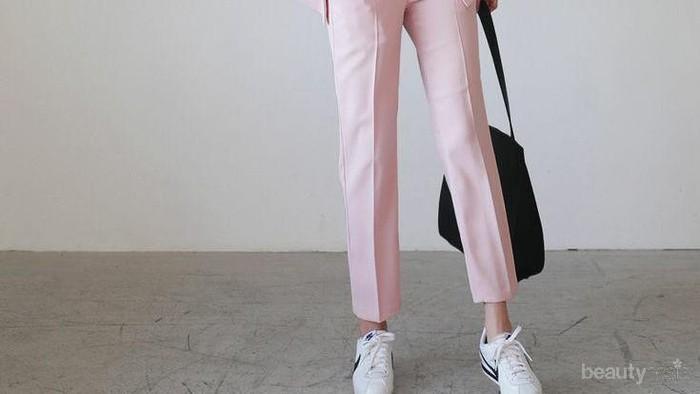Inspirasi Mix and Match Blazer Warna Pink yang Manis Hingga Swag Abis