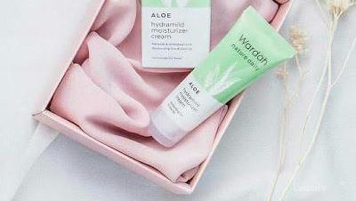 Aman Untuk Kulit Sensitif, Wardah Nature Daily Aloe Hydramild Facial Wash Wajib Dicoba!