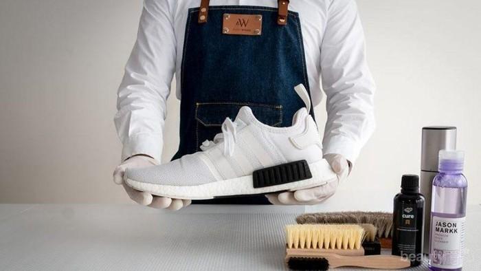 Life Hacks! Cara Membersihkan Sepatu dengan Bahan Rumah! Hasilnya? Kinclong!